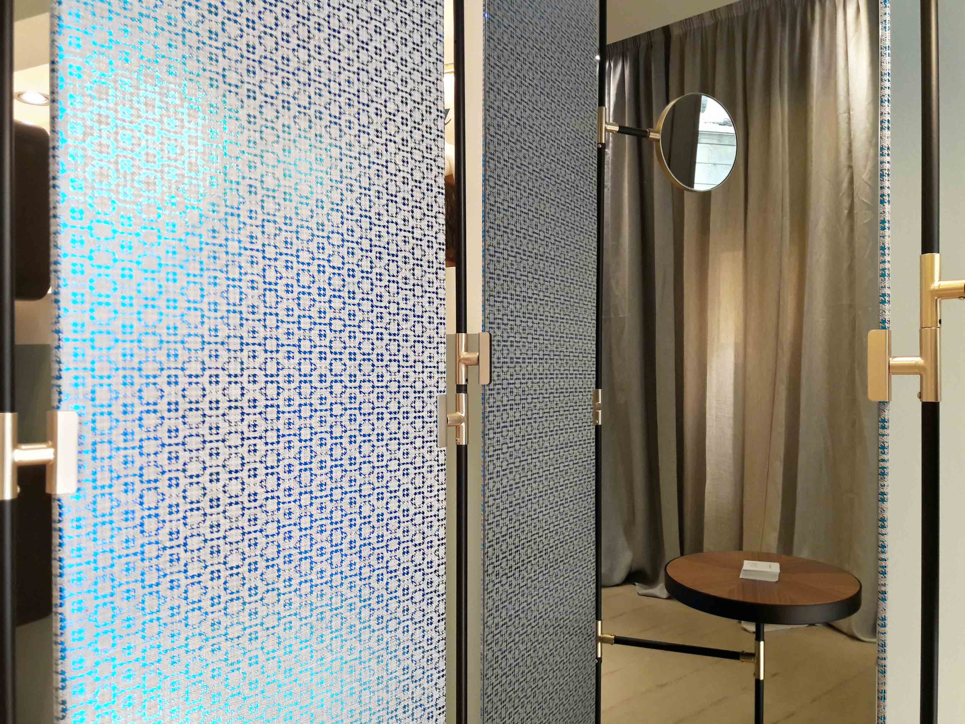 iridescent-textile-pattern-geometry-wallpaper