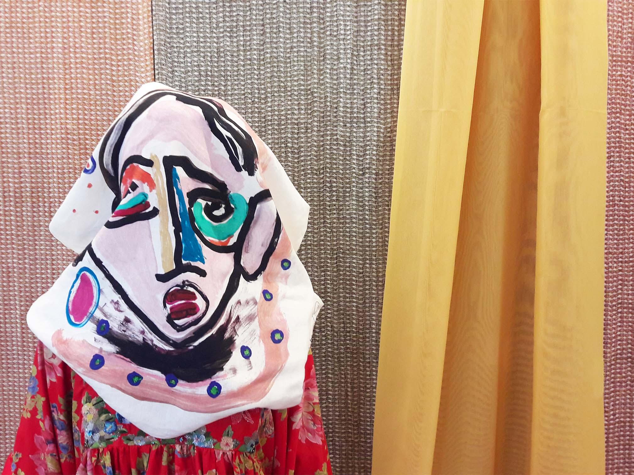 kiasmo-design-pillow-antoniomarras-interiorfabrics-trendcolors